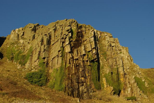 Cliff west of Bennan Head