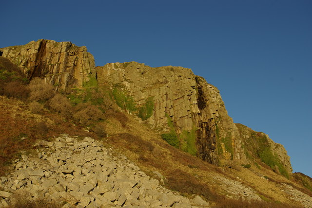 Cliffs & rockfall west of Bennan Head