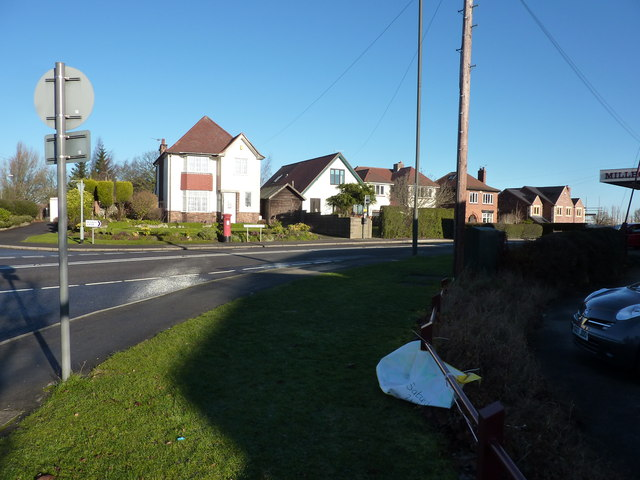 Road junction, West Hallam Common