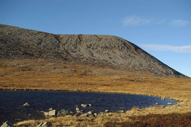 Dubh Loch & Mullach Buidhe