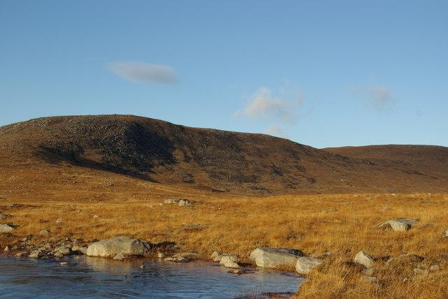 Frozen pool north of Cnoc Breac Gamhainn