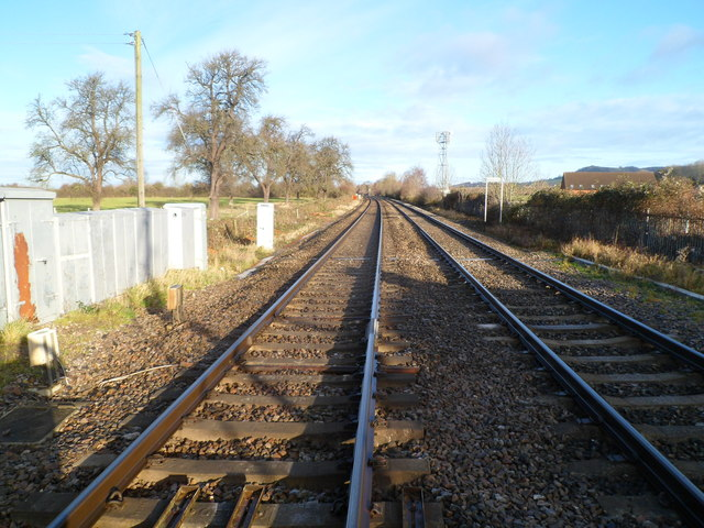 A view north from Oldends Lane level crossing, Stonehouse