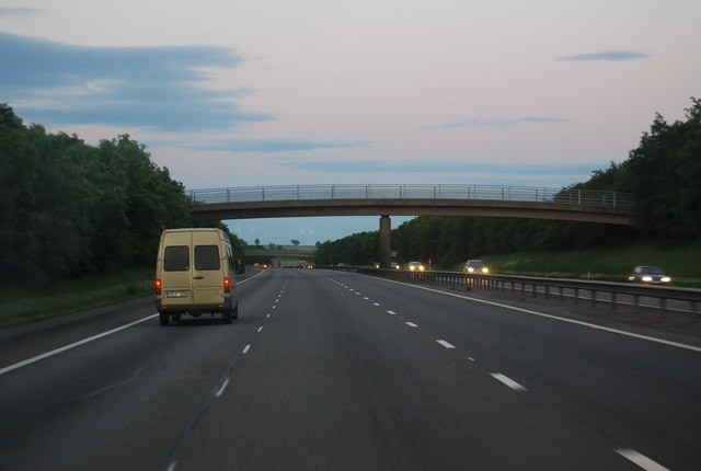 M40 - footbridge