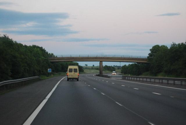 M40 - overbridge