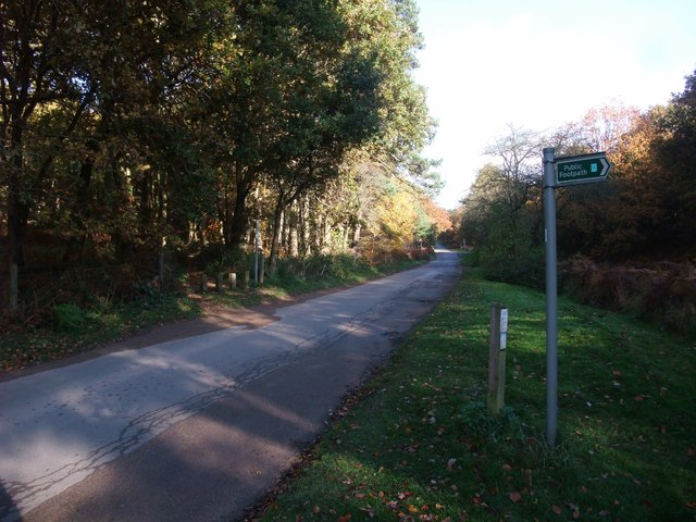 The Robin Hood Way crossing Cycle Route 6, Newstead Abbey