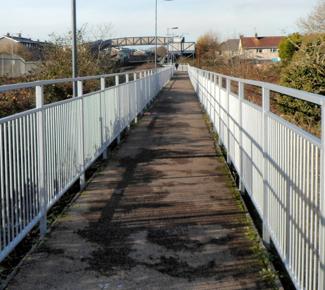 Footpath to Pyle railway station
