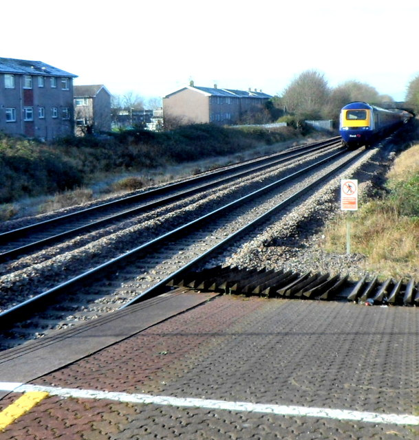 First Great Western train approaches Pyle station at speed