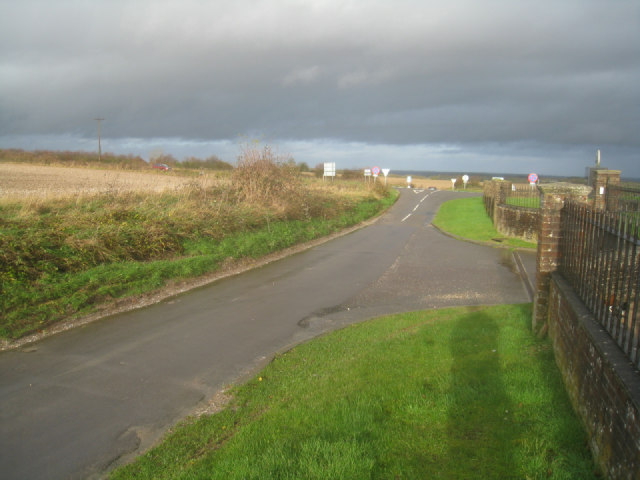 Approach to Shothanger crossroads