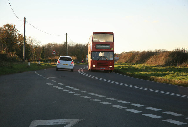 A bus departs from Antony