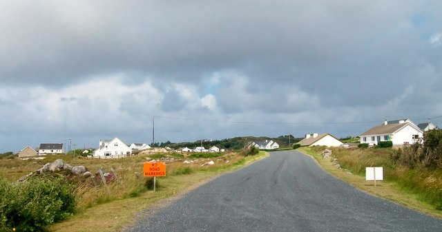 Houses on the R 259 south of the village of Belcruit