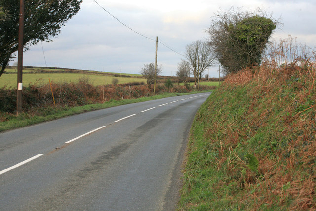 The B3359 looking towards Taphouse