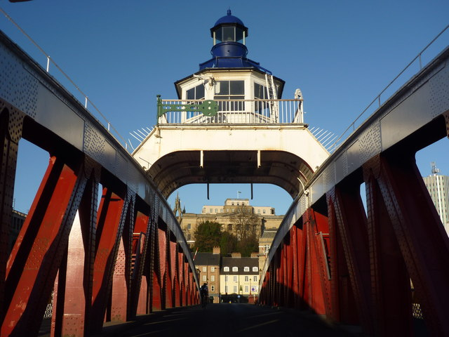 Newcastle Townscape : Seeking Symmetry On The Swingbridge