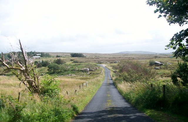 The moorland road crossing the valley of Abhainn na Marbh