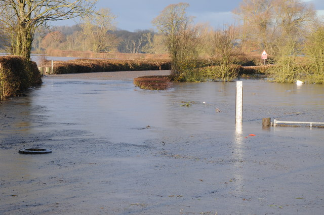 Flooded lane at Severn Stoke