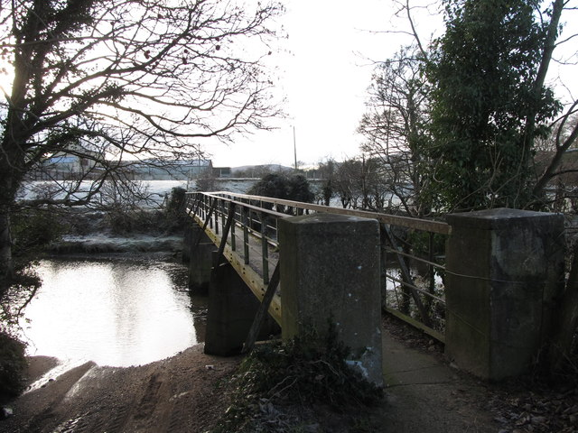 Vehicle ford and footbridge across the River Bann at Hilltown