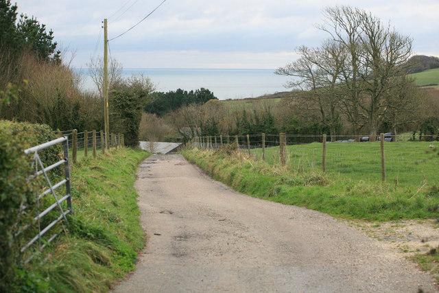 Menabilly Barton footpath and farm access