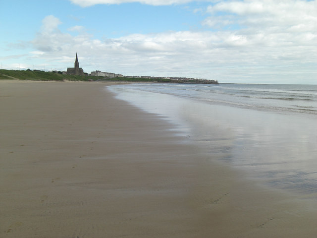 Long Sands looking towards Cullercoats
