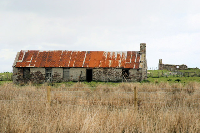 Abandoned croft-house south of Lynbel