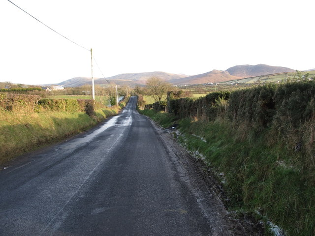Leitrim Road descending towards Leitrim Bridge