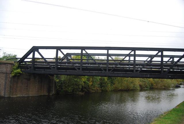 Railway bridge, Lea Navigation