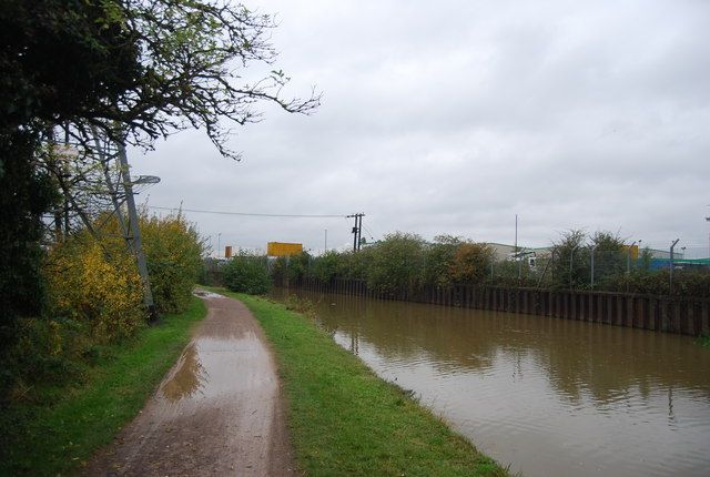 Lea Navigation and National Cycle Route 1