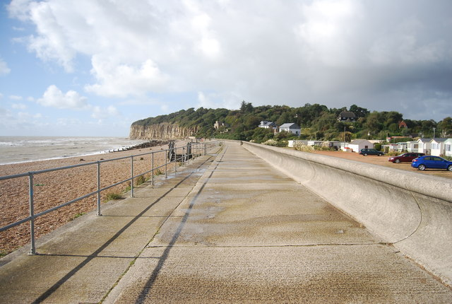 Sea defences, Cliff End