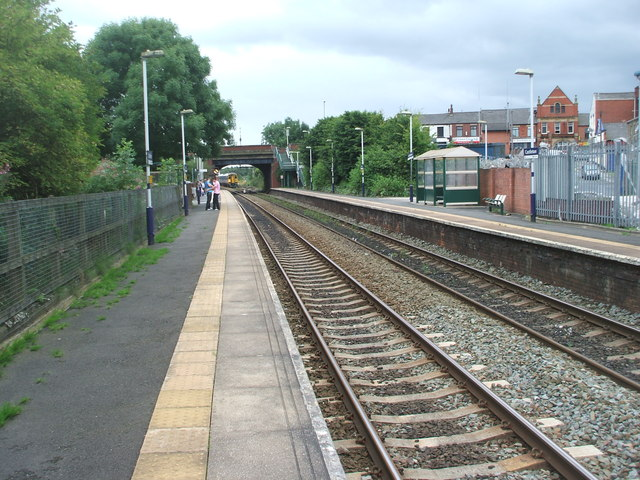 Castleton railway station, Greater Manchester