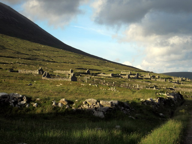 Extensive view of the Deserted Village, Slievemore