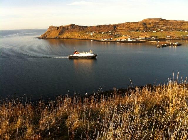 MV Finlaggan approaching Uig pier