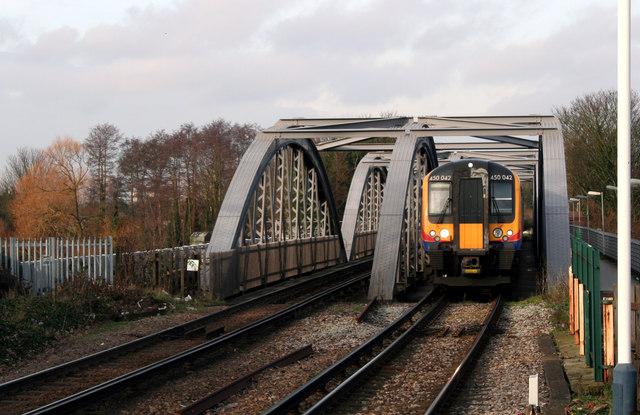 Barnes Railway Bridge © Dr Neil Clifton :: Geograph ...