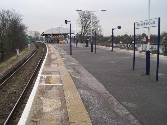 wimbledon chase railway station  london  u00a9 nigel thompson