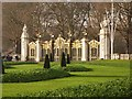 TQ2979 : Canada Gate, Green Park by Oliver Dixon