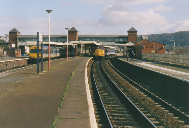 llandudno junction railway station  2000  u00a9 nigel thompson    geograph britain and ireland