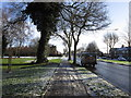 TA0429 : Willerby Road, Hull by Ian S