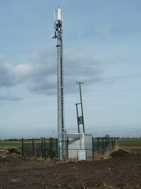 Radio Mast at Creek Fen.