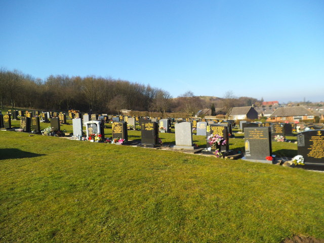 Beacon Hill Cemetery Scene Gordon Griffiths Cc By Sa 2 0
