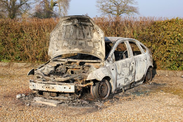 Burnt Out Car At Burton Green 169 Jeff Buck Geograph