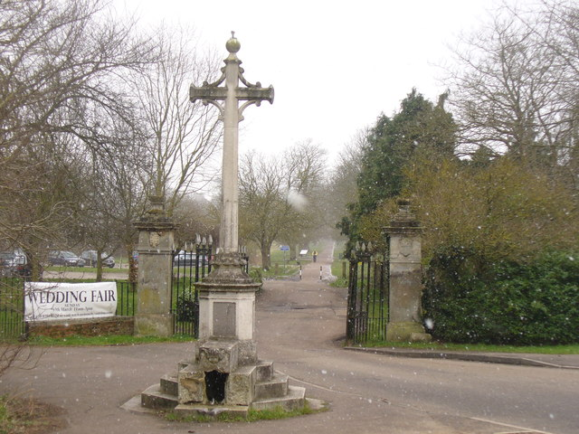 Nonsuch Park - Stoneleigh Entrance © Colin Smith cc-by-sa ...