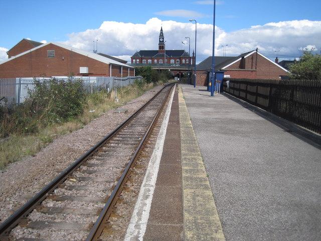 Grimsby Docks Railway Station 169 Nigel Thompson Cc By Sa 2