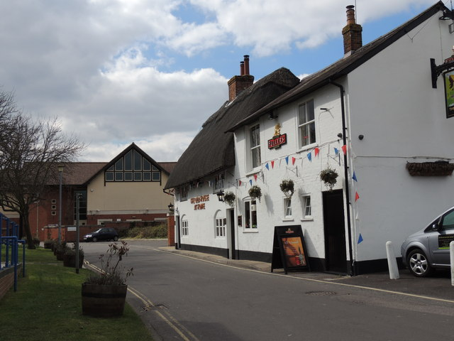 The Old House at Home Pub - Romsey