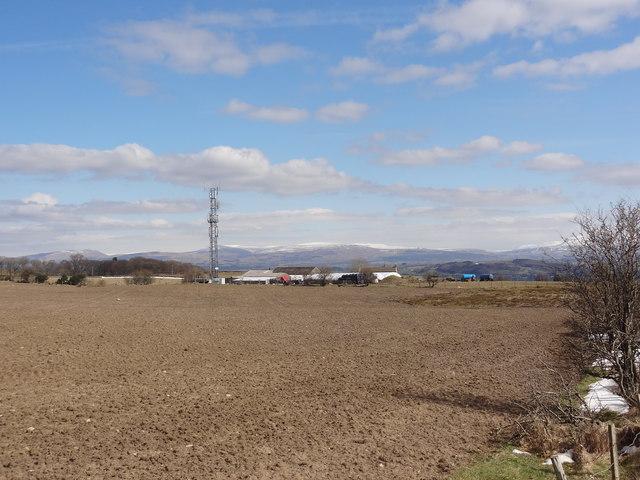 Mobile Phone Transmitter near Far Highfield Farm