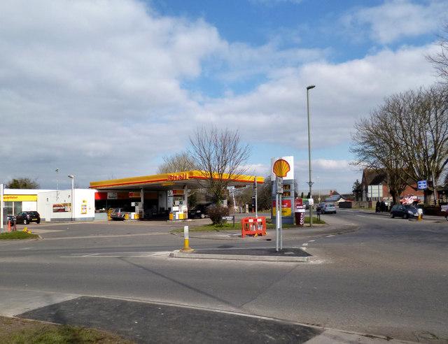 Shell garage didcot des blenkinsopp geograph britain and ireland - Find nearest shell garage ...