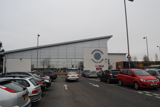 Southbury leisure centre n chadwick cc by sa 2 0 - Southbury swimming pool contact number ...