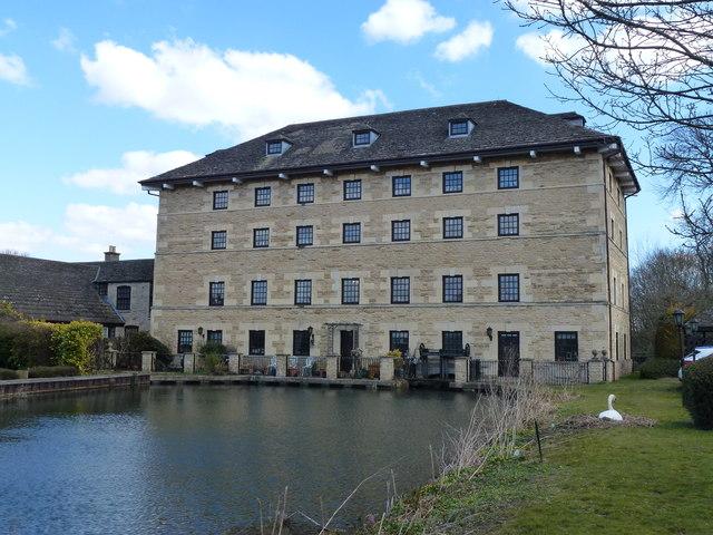 Newstead Mill Near Stamford 169 Richard Humphrey Cc By Sa 2