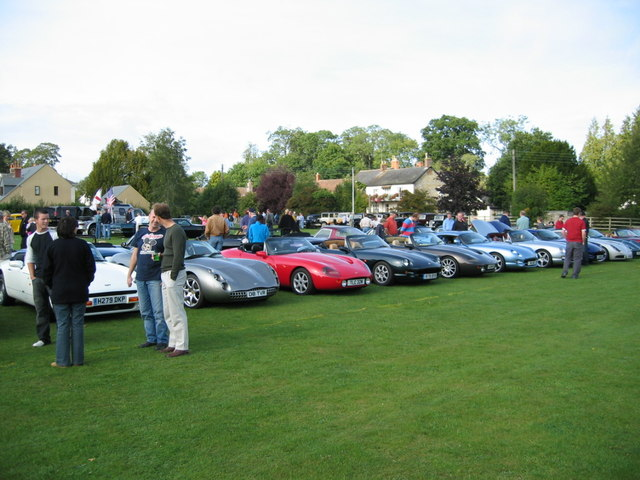 TVRs at Thornfalcon Classic 2004