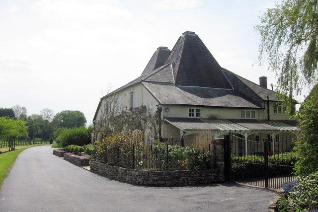 Kiln House, Truncheaunts Lane, Alton