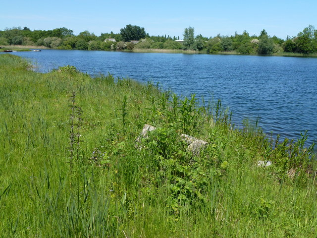 Private fly fishing lake mepal pits richard humphrey for Private fishing lakes