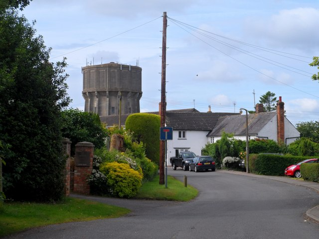 Puloxhill water tower