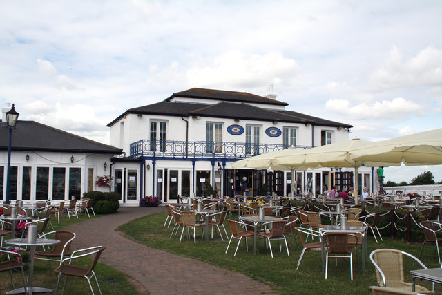 Epsom racecourse the 39 rubbing house 39 dr neil clifton for 2b cuisine epsom downs