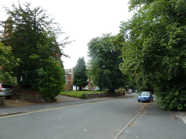 Approaching a bend in Oxford Road